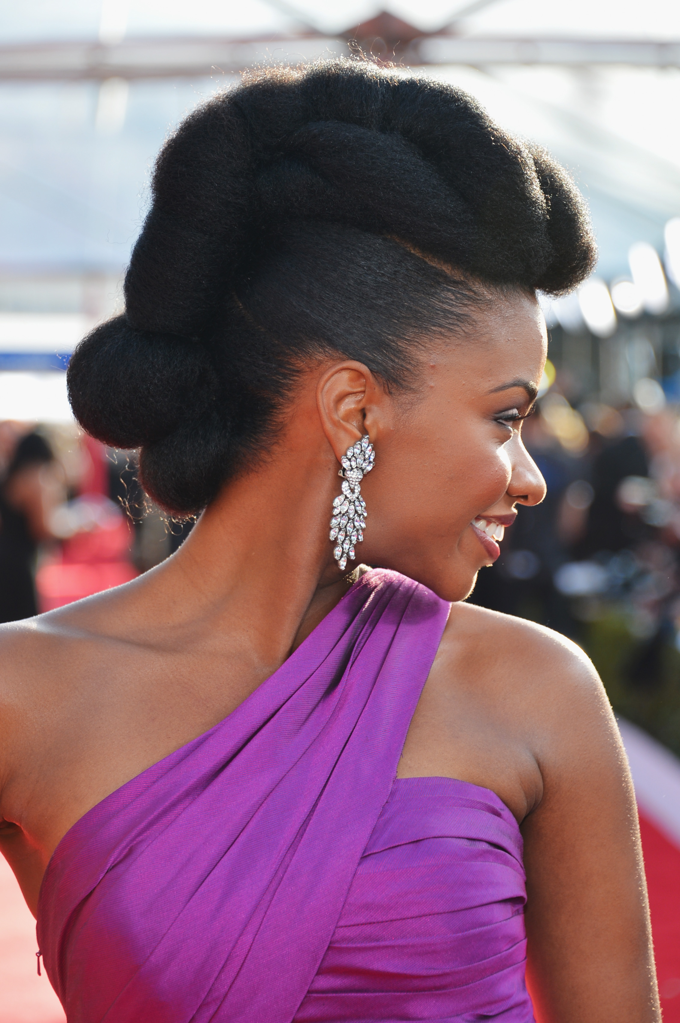 Relax The Iron Ways To Create Red Carpet Hair Without